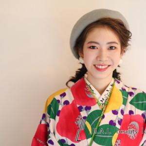 卒業袴 ベレー帽の下はフィッシュボーンで編んでます